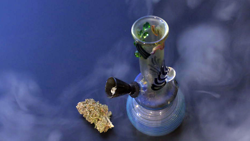 Few Different Types of Bongs That You Can Use